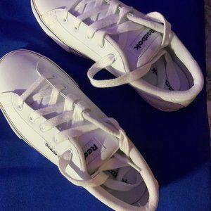 NWOT Ladie's Reebok Size 7 White Sneakers